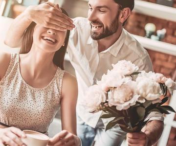Cómo sorprender a su novia y mantenerla interesada