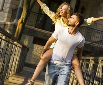 Ilumina tu vida amorosa con ideas románticas para una cita en Aurora