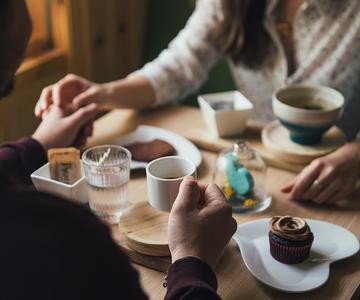 ¿Cuáles son las mejores preguntas para hacer en una primera cita?