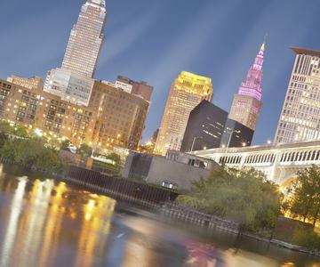 Visite estos grandes lugares en Cleveland donde usted puede mezclarse con solteros!