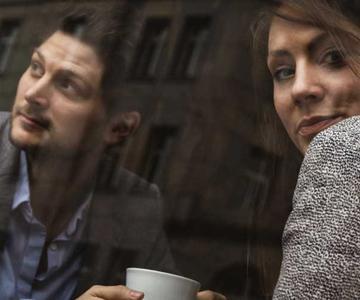 Cómo evitar los momentos incómodos y el silencio en una cita