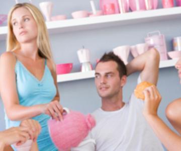 10 signos de que a tus amigos no les gusta tu pareja