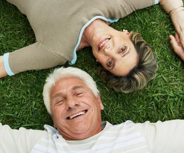 4 Factores de Seguridad que los Ancianos deben buscar en un Sitio de Citas