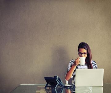 6 maneras de obtener la atención de un soltero cristiano en línea