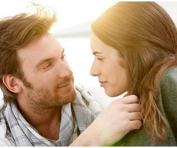 7 maneras genuinas de atraer a las mujeres que te gustan