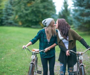 8 Citas de Verano para Solteros Gay: Qué hacer y qué no hacer