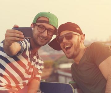 Citas con gays - todo lo que necesitas saber si estás de vuelta al acecho.