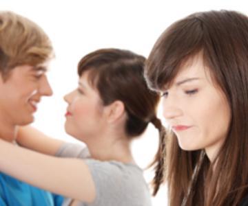 ¿Deberías salir alguna vez con un pariente de un amigo?
