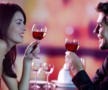 Lo que la bebida de tu cita dice sobre ellos