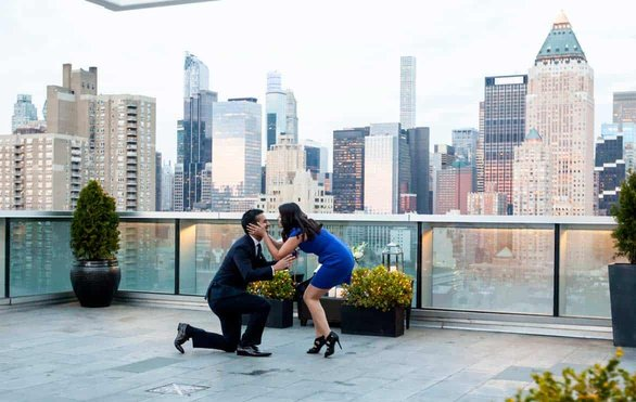 Photo of a Paparazzi Proposals client